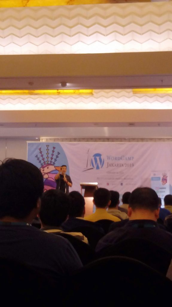 Aldrich Christopher giving his talk about Google Updates