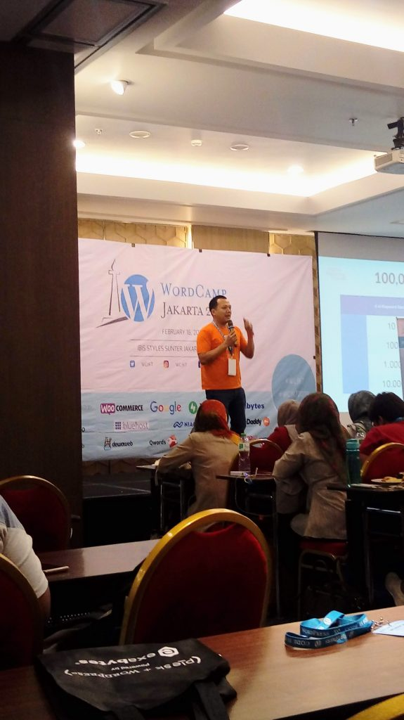 Ryan Kristo Muljono giving his talk about SEO for WordPress
